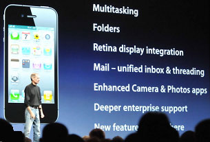 Steve Jobs Introduces iPhone 4